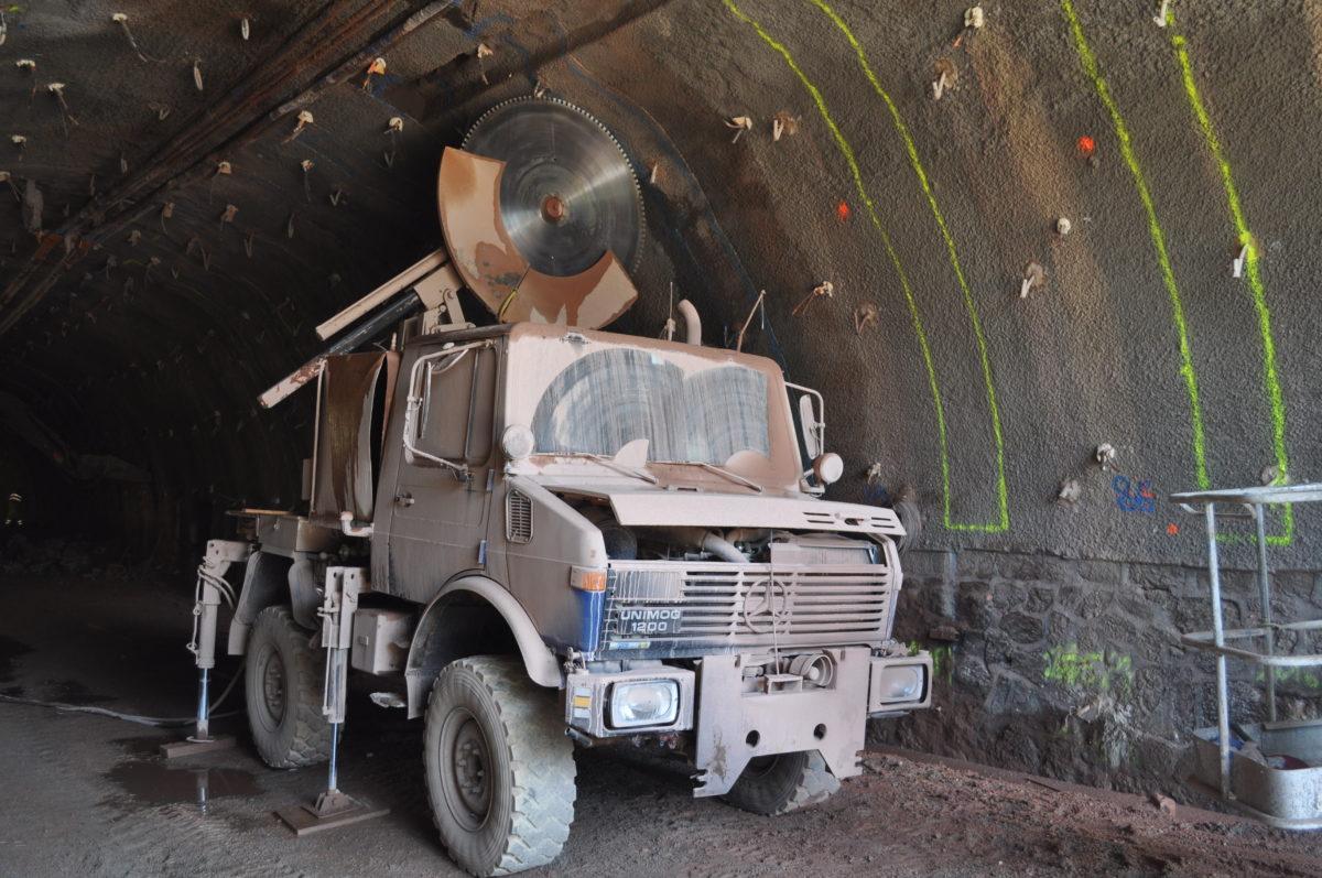Reprofilage du tunnel des-Roches-de-Condrieu; France